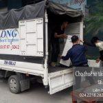 Taxi tải tại phố Nguyễn Lam