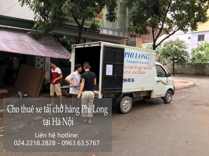 Taxi tải Hà Nội chở hàng tết phố Lê Hồng Phong