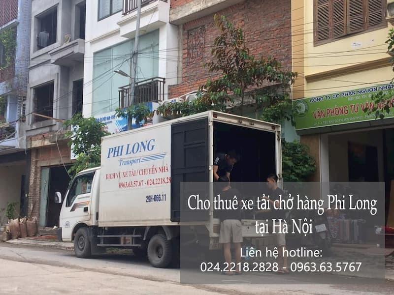 Taxi tải chở hàng Tết của Phi long